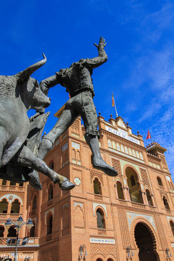 Olê!! #España #madrid #plazadeltoros Architecture Building Exterior City Clear Sky Low Angle View No People Representing Sculpture Statue Travel Destinations