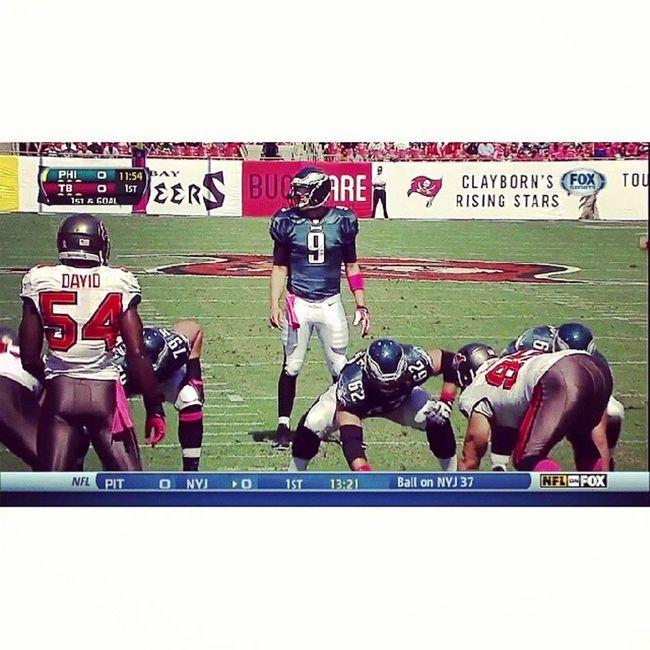 Prefiro assistir os jogos do Eagles na temporada de 2013 do que ir pra esse carnaval boqueta! U_U EaglesNATION Flyeaglesfly NickFoles JasonKelce NFL Remember