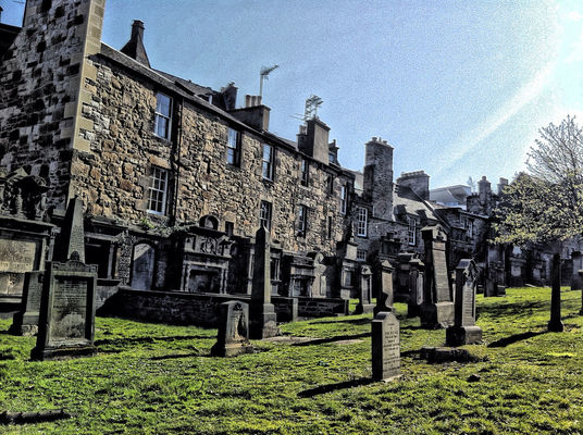 cementery at Edinburgh by Iria González Boluda