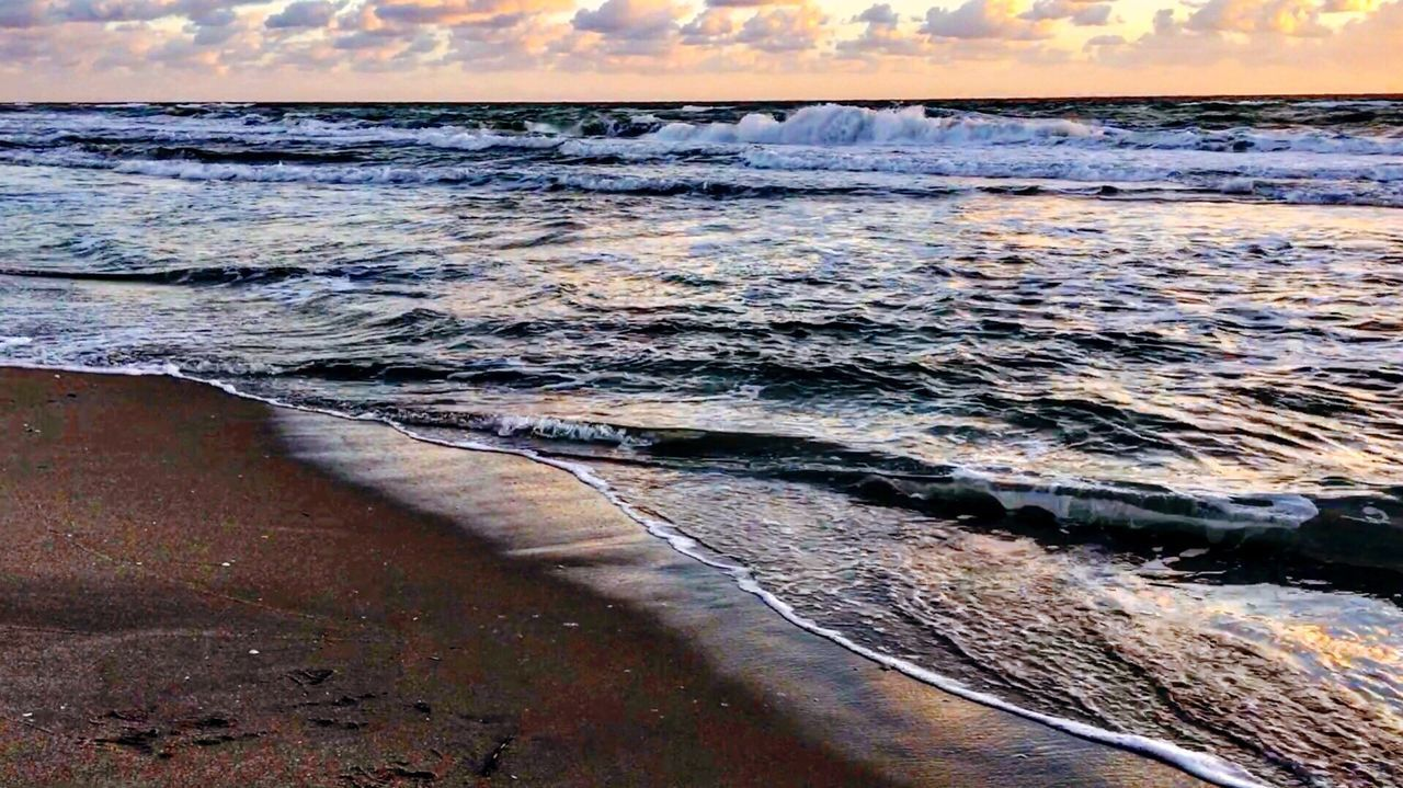 Sea Nature Water Beauty In Nature Wave Beach Scenics No People Outdoors Tranquil Scene Sand Tranquility Sky Day
