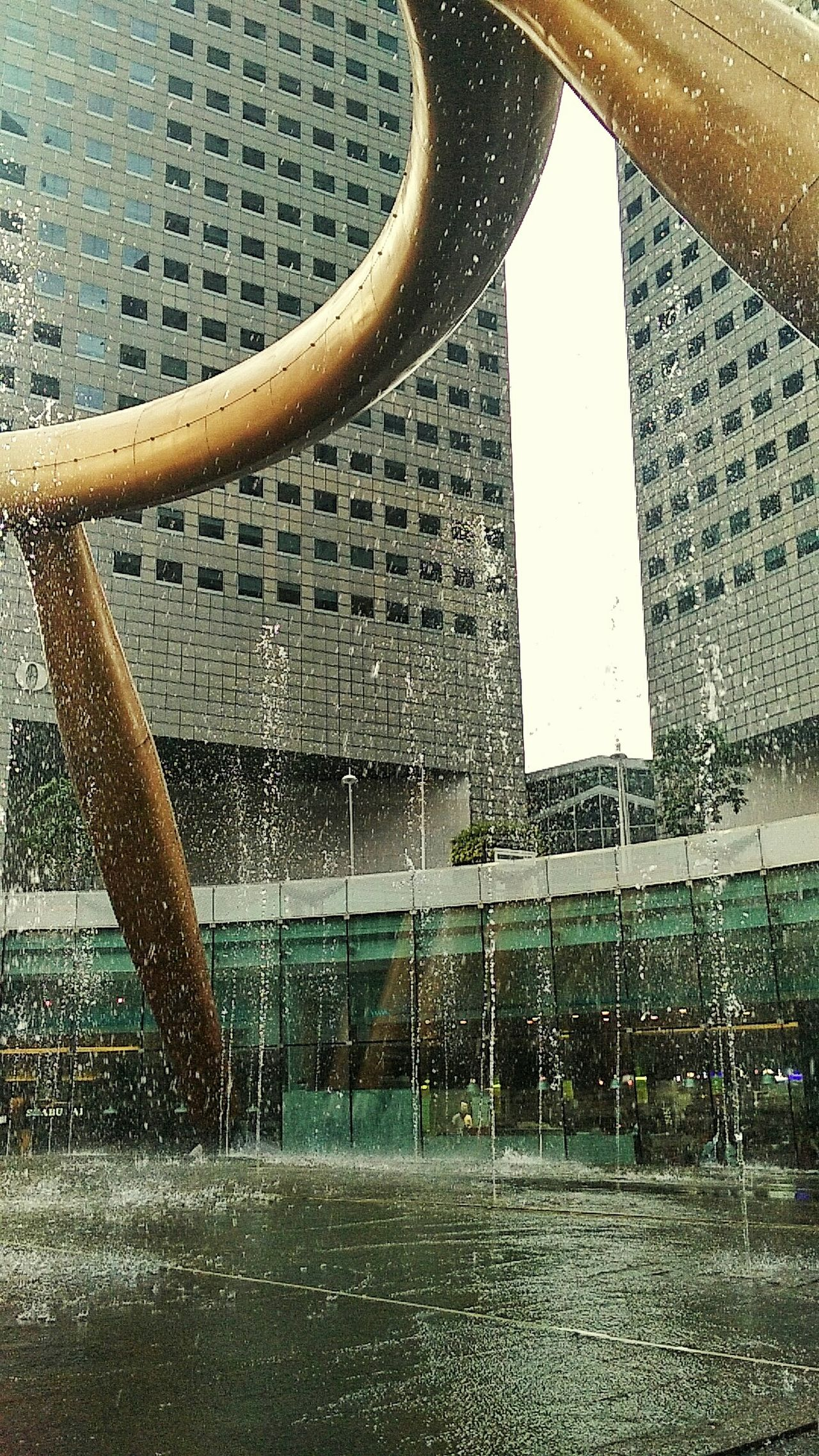Fountainofwealth Fountain Water Design Architecture Structure Exterior Lowangleview Lowangle Lowangleshot Urban Travel Wander Goodlife Outdoors Stroll Explore Learn WanderingInSolitude Stationary Motion Goingsolo XishiWanders Singapore