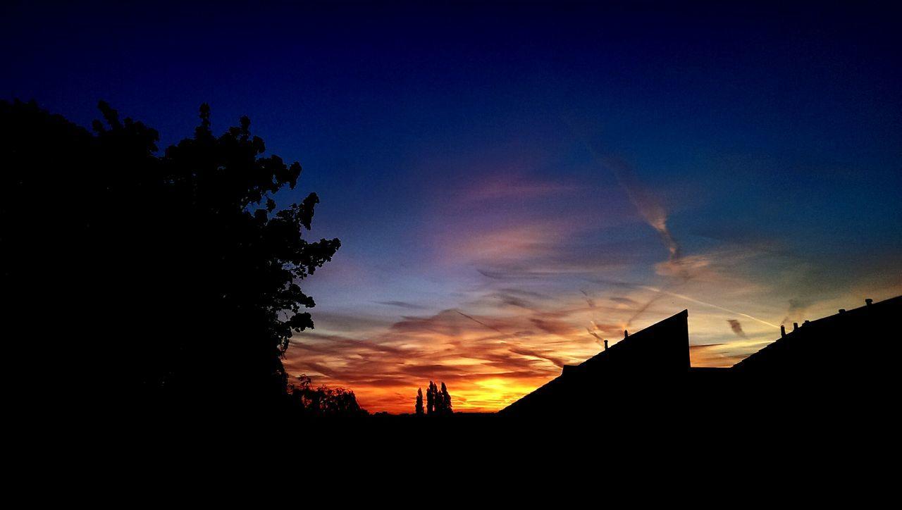 Sunset_collection EyeEm Edits Tonight's Sunset Amazing Sunset Sunset And Clouds  Jetsky Sun_collection, Sky_collection, Cloudporn, Skyporn Plane Trail Bluesky When Darkness Falls
