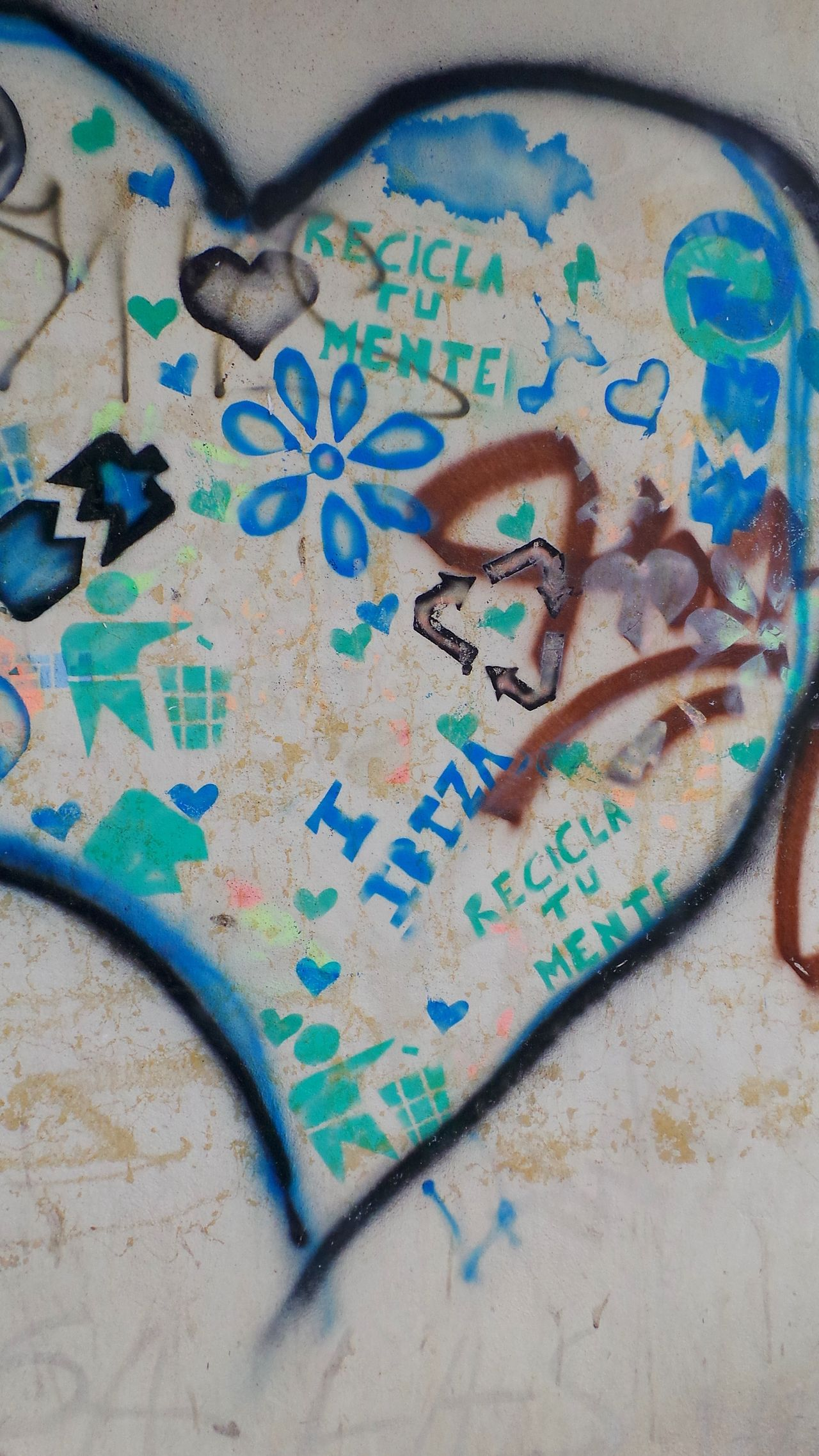 Recycle your mind! BCG Blue Check This Out Close-up Color Of Life Communication Creativity Day From My Point Of View Graffiti Hello World Home Is Where The Art Is Ibiza Multi Colored No People Paint Painting Pivotal Ideas Street Art Street Photography Streetphotography Urban Wall Wall - Building Feature Color Palette