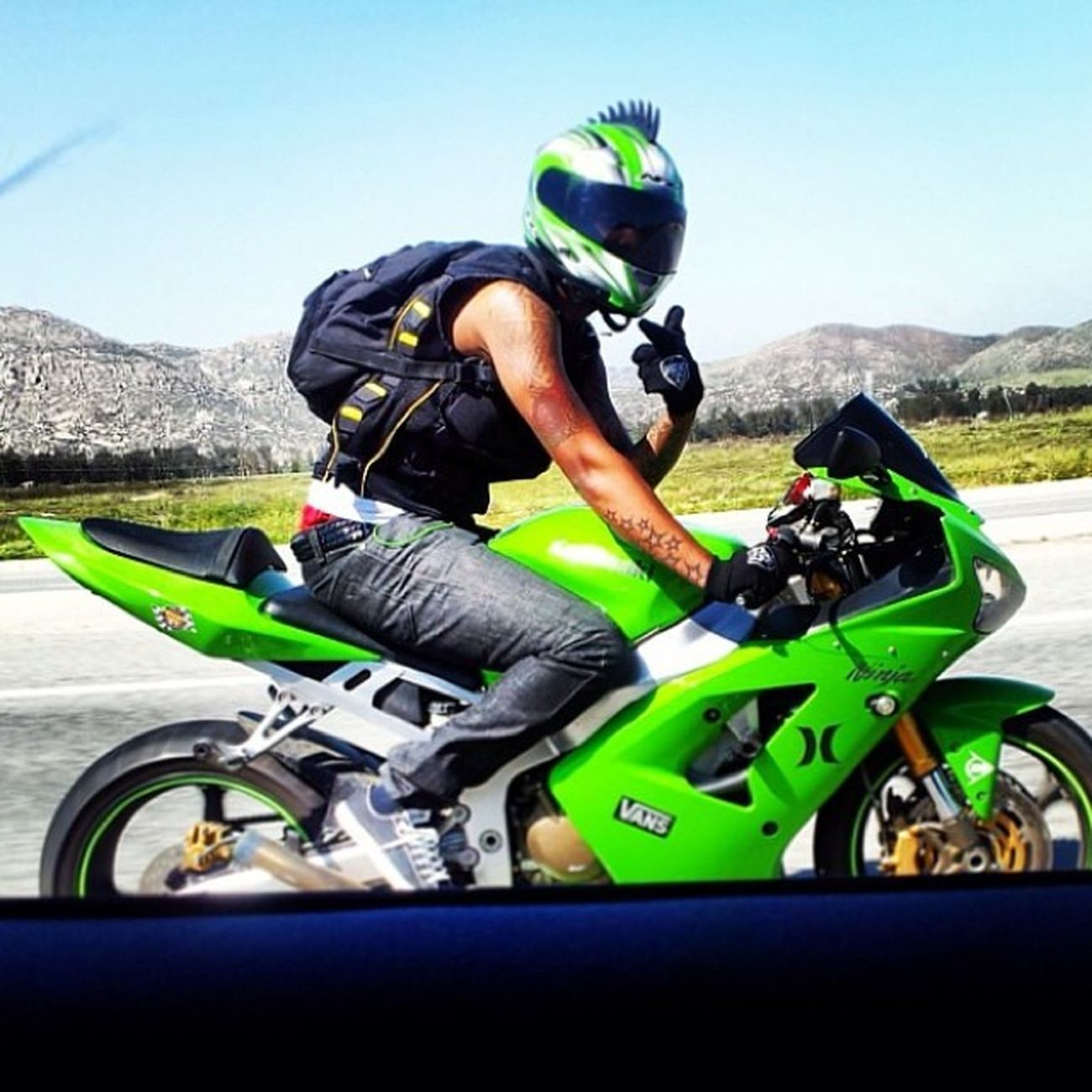Happy 22nd bday to my bro @shaad_15!! I'm glad to have you and your family in my life. Have a great day man! Peace & love. Kawasaki 636 Bilelife Ridesafe Riderich Weridetogetherwedietogether Badboysforlife