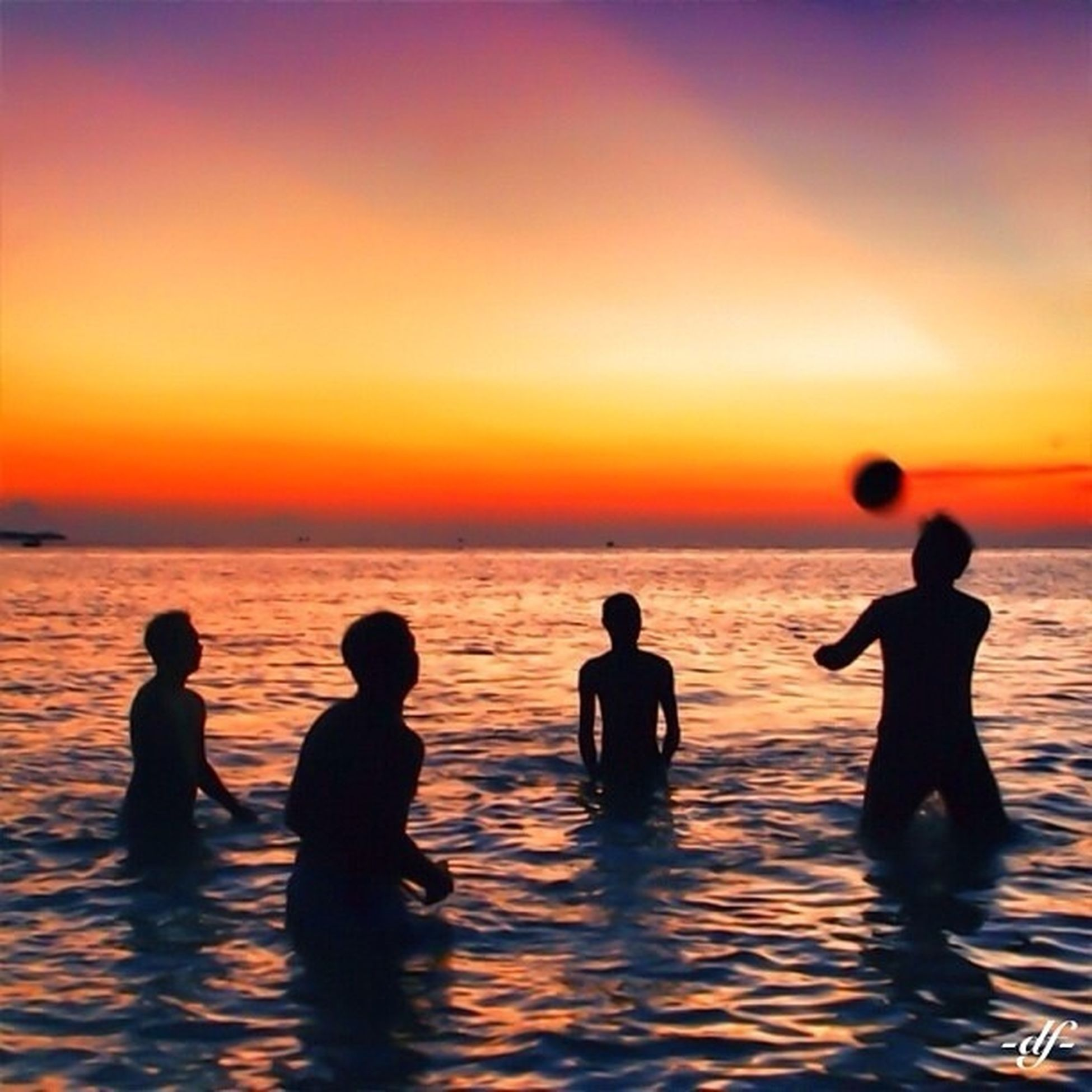 sunset, water, sea, togetherness, beach, horizon over water, leisure activity, silhouette, lifestyles, orange color, bonding, shore, vacations, men, person, sky, love, scenics