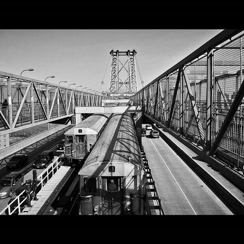Williamsburg Bridge to Brooklyn, New York. : : Williamsburg Williamsburgbridge Brooklyn NYC Newyork Nyny  Newyorkcity Urbanexploration Urbanhike Urbanlandscape Streetshooter Streetphotography Streetscape Cityscape Blackandwhite Blackandwhitephotography Bw_curators Bwphotography Bandwphotography Landscapeshooters Landscapelovers Newtopographics Documentaryphoto Documentaryphotography Way2ill Artofvisuals AGameOfTones fotoguerrilla picoftheday PhotoOfTheDay