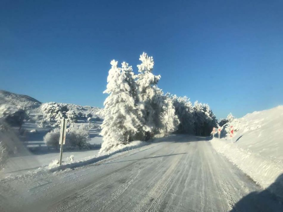 Snow Winter Transportation Cold Temperature Car Mode Of Transport Driving Nature Tree Travel Destinations Tire Track Landscape Sky Outdoors Day No People Powder Snow First Eyem Photo Hello World Kütahyalı Kütahya Gununkaresi Sogukhavaa ❄️❄️ Turkey Turkey💕