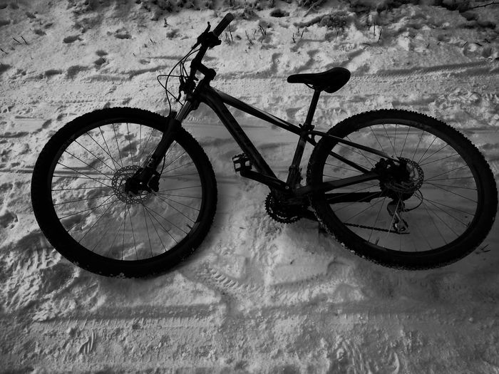 Bicycle No People Outdoors Day Spoke Cold Temperature Snow Winter Ice MTB Mountainbiking Sport Lifestyle