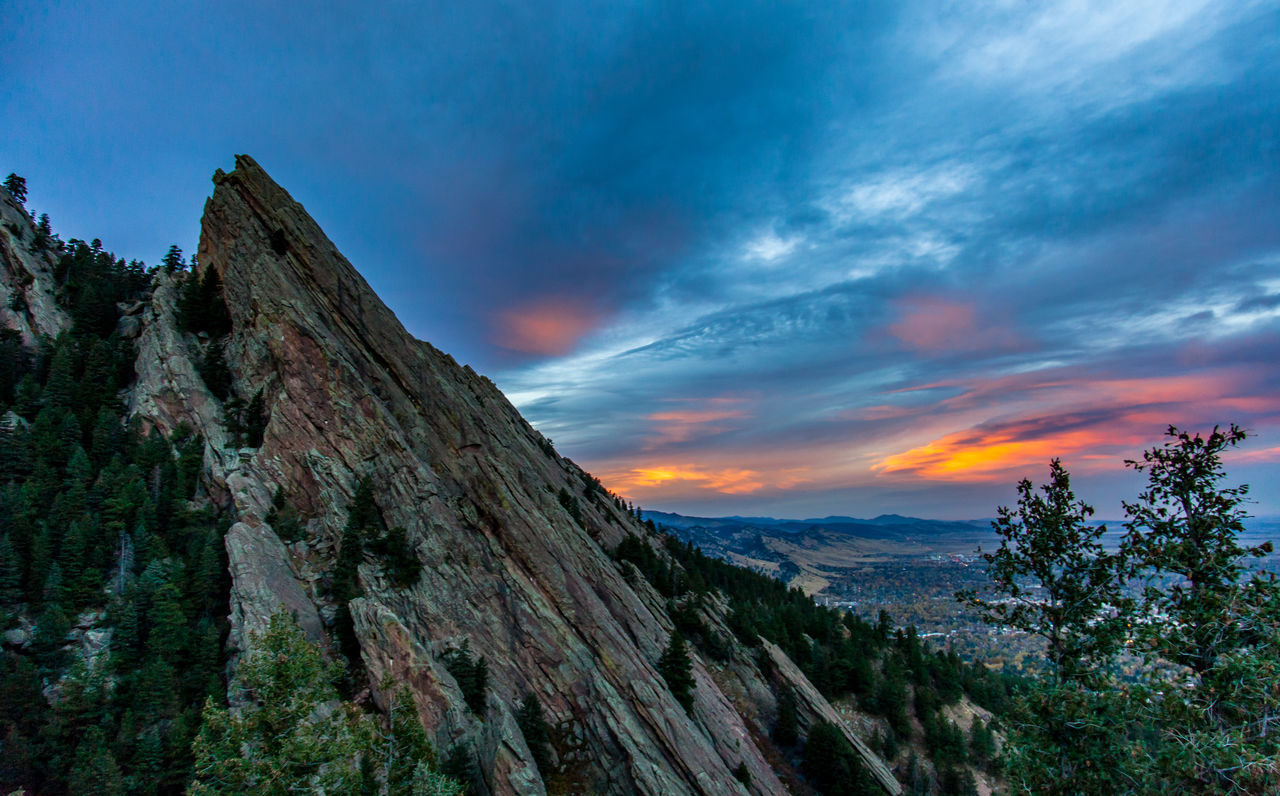 Beauty In Nature Cloud - Sky Colodiónhúmedo Day Flatiron Building Flatirons Boulder Landscape Mountain Mountain Range Mountains And Sky Nature No People Outdoors Rock - Object S Scenics Sky Sunset Sunsets With My Note 3 Joe Tranquil Scene Tranquility Tree