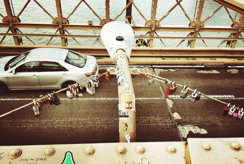 Brooklyn Bridge / New York Scenery Shots Can You Find The Hidden...? Portrait Of America Hard Working Team Color Portrait