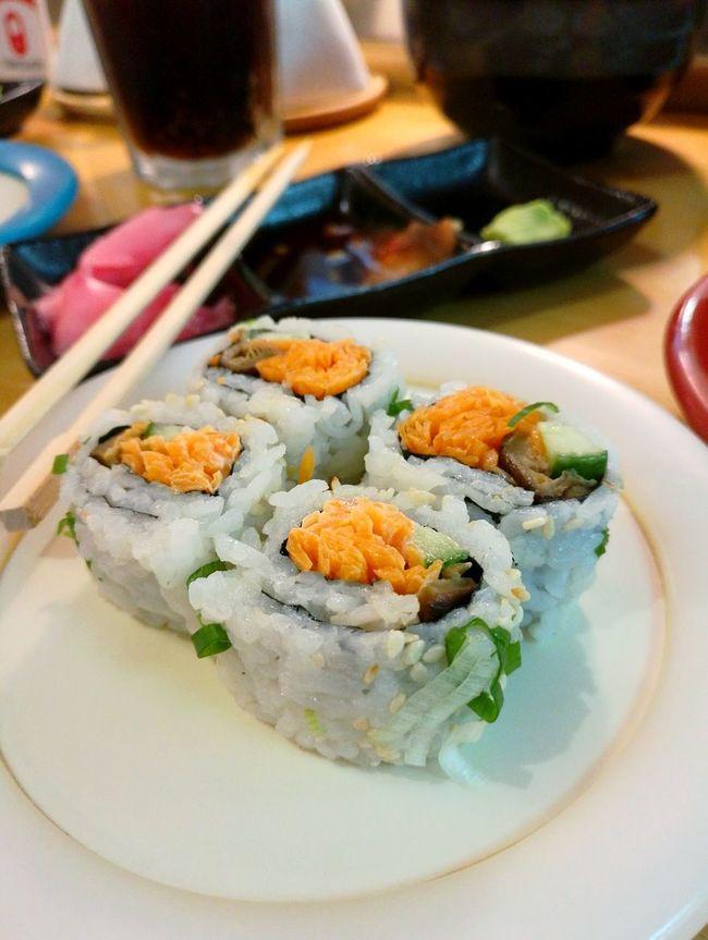 Vegetarian Maki.. Foodgasm Foodgady-to-eat Freshness Cravingsatisfied Date Night Sushi Night Japanese Food Sushilover Bahrainlife Bahrain