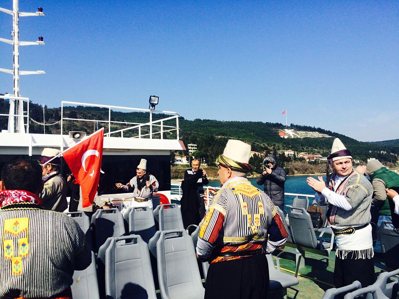 Turkey çanakkale çanakkalegeçilmez Duryolcu çanakkaledenizzaferimiz100yaşında Efeler Oyun Taking Photos Feribot Hanging Out