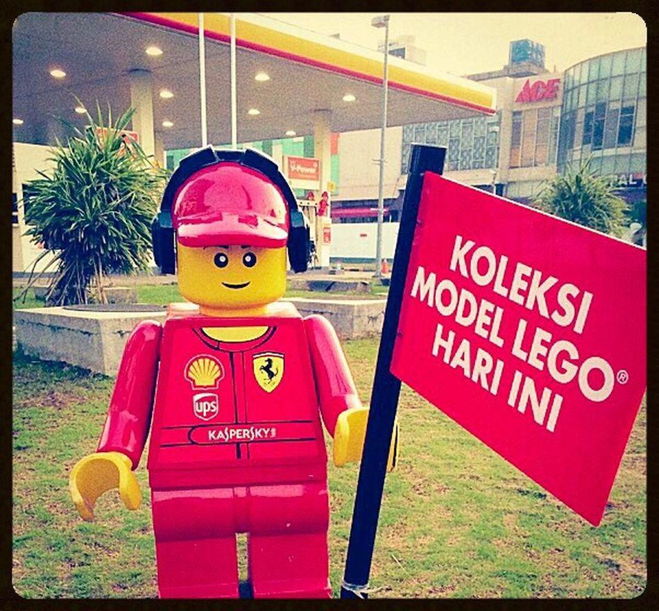 Today Activity's LEGO Toysphotography Working Having Fun Urban Landscape