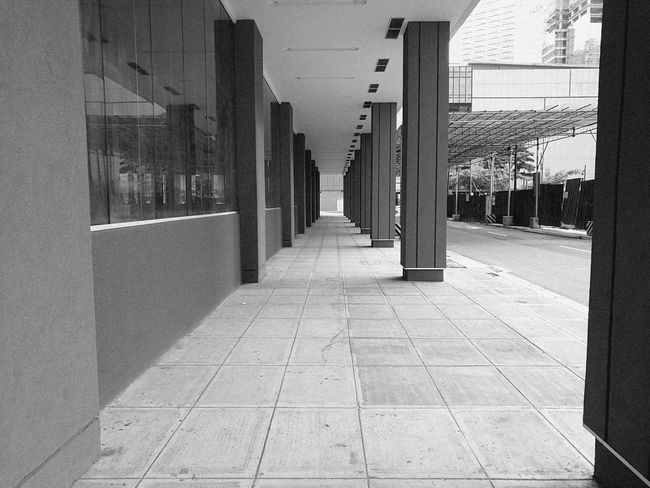 Building Exterior Walkway Architecture In A Row City No People ArchitectureSmartphonephotography HuaweiP9plus Built Structure Building Exterior The Way Forward City In A Row Office Building Walkway