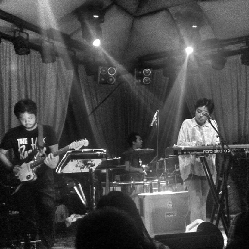Up Dharma Down's last gig here at 19 East. What a way to end 2013. Goodmusic Updharmadown @up_dharma_down @armimillare