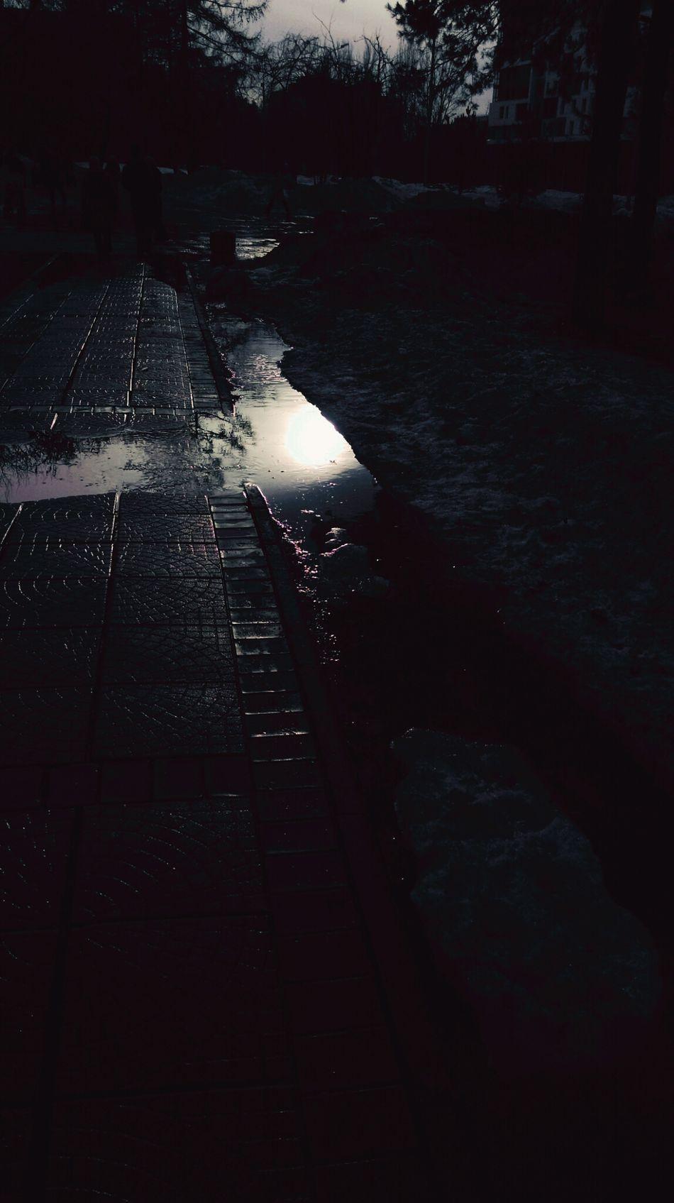 Night Mirror отражение отражение в воде отражение_в_лужах отражениевводе вечер вечерняяпрогулка Вечерний Новосибирск
