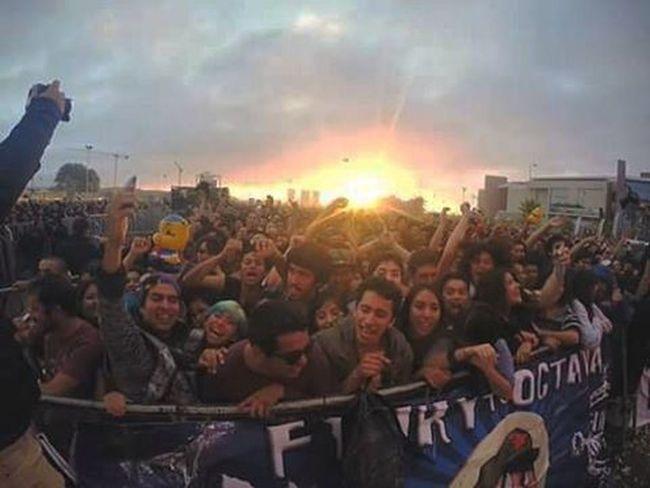 """Mas allá de un festival lo que realmente hace al Rockenconce es el publico! Grande Concepción !! La """"cuna del rock chileno"""" aunque realmente sea Valpo pero grande Conce! Musicfestival Musicphotography Crowd Concert Rock"""
