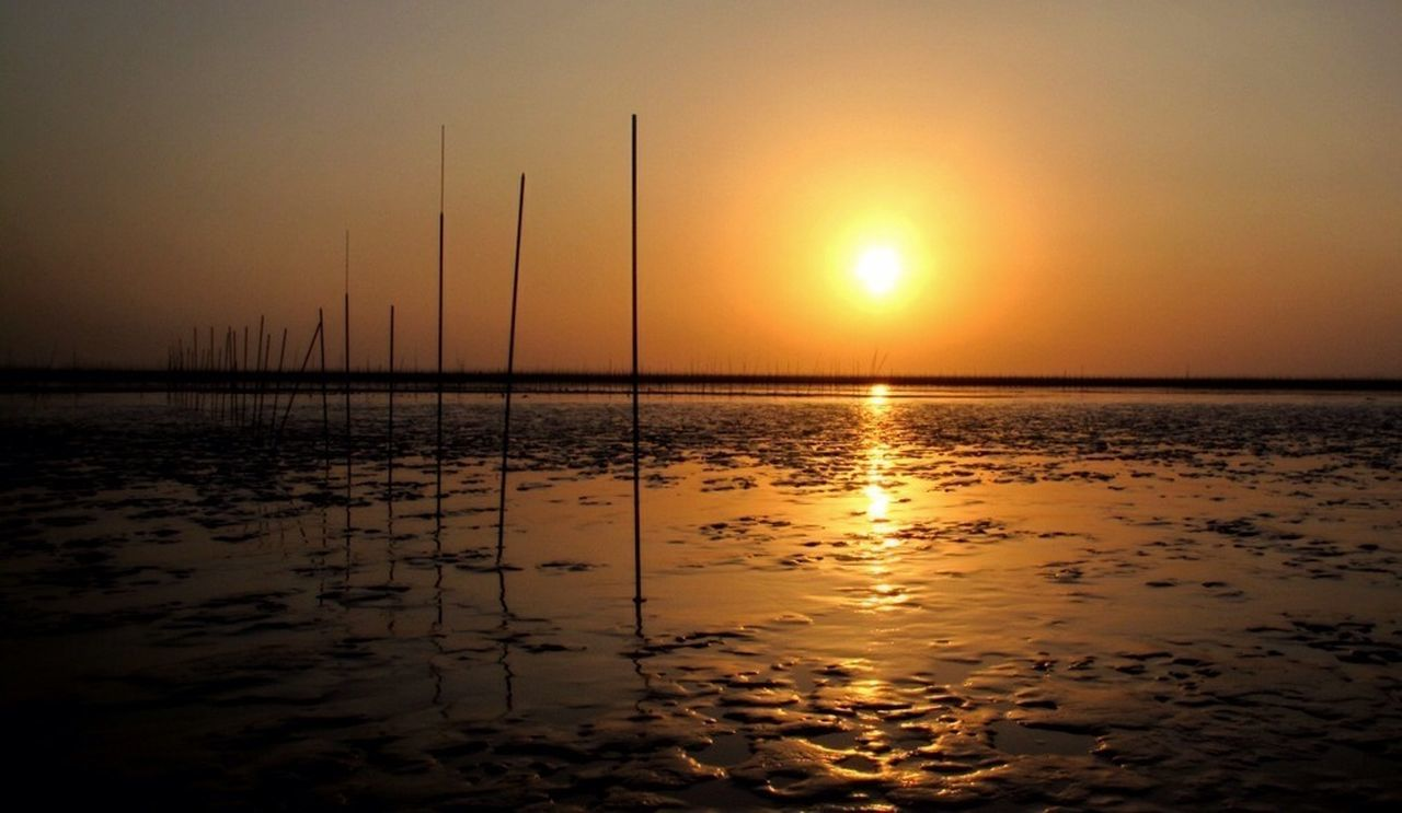 sunset, sun, sea, nature, water, reflection, scenics, beauty in nature, tranquil scene, tranquility, orange color, silhouette, no people, sky, outdoors, beach, sunlight, horizon over water