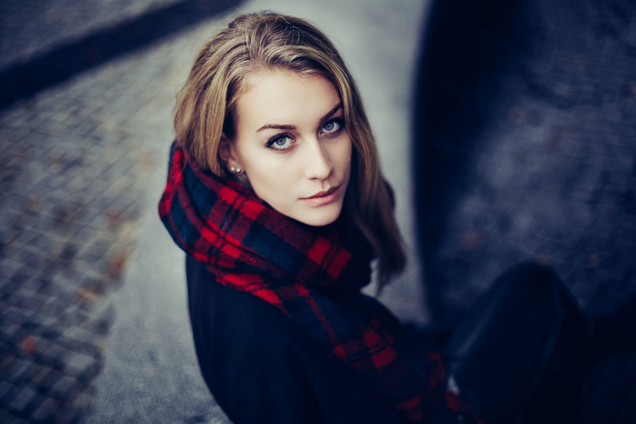 Beautiful stock photos of niedlich, 17-23 Years Old, Blurred Background, Germany, Hannover