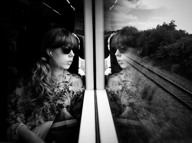 Monochromeome portrait] Shootermag Blackandwhite Beauty #reflection