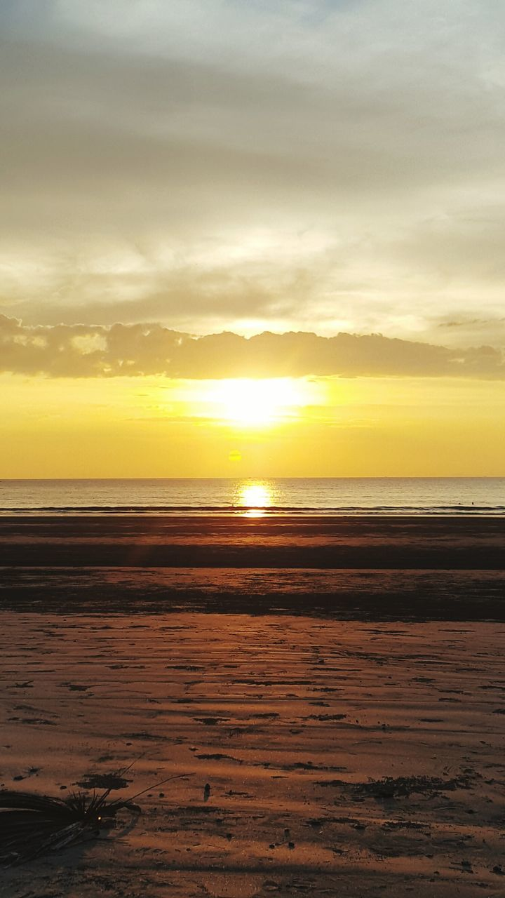 sunset, nature, sky, beauty in nature, scenics, tranquility, cloud - sky, no people, tranquil scene, water, sea, sun, yellow, outdoors, beach, horizon over water, day