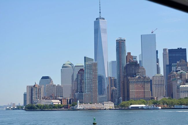 Manhattan! Oneworldtradecenter Battery Park Ferryboat