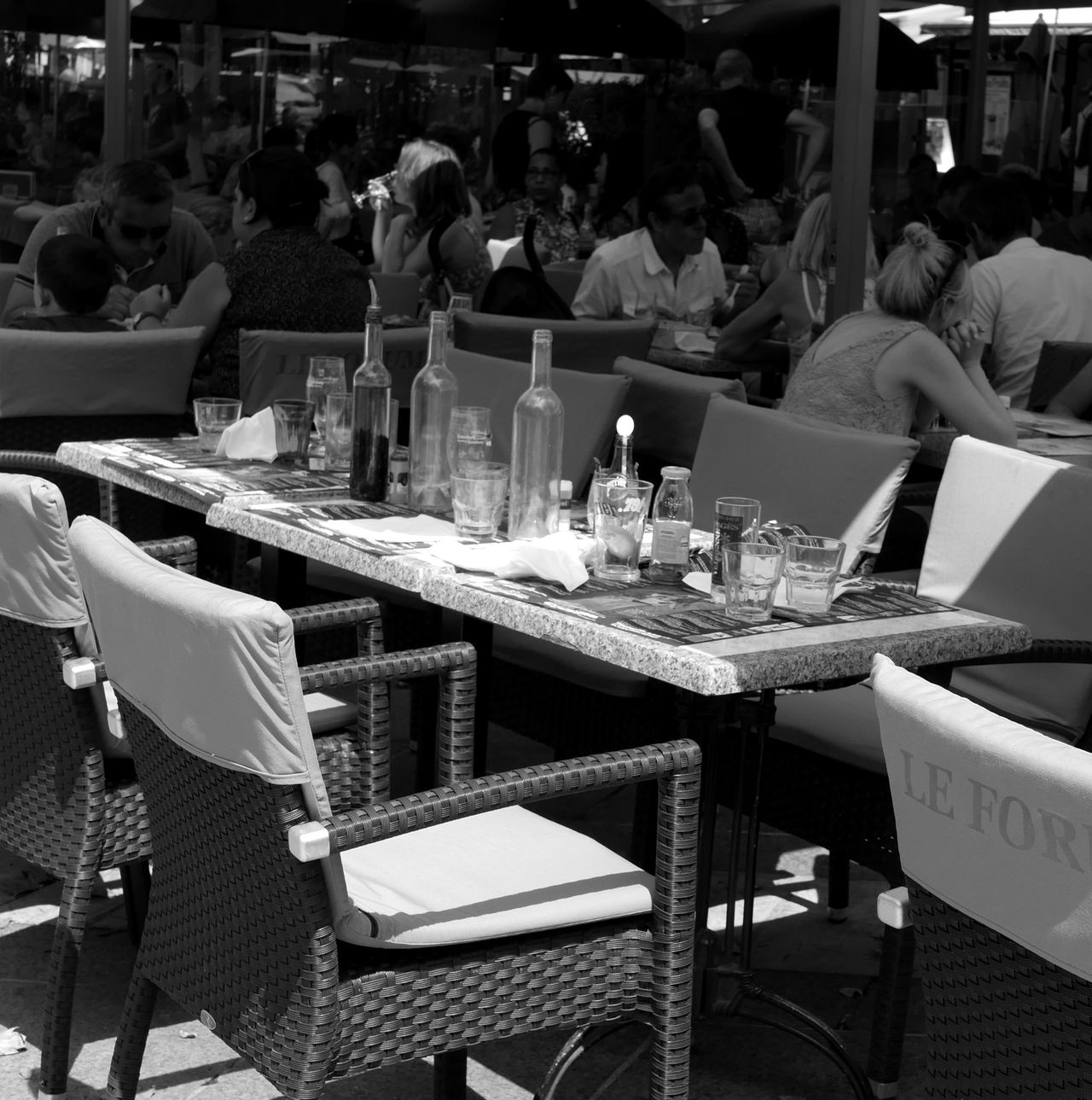 Outdoor Restaurant Black And White Creative Light And Shadow Table Avignon France