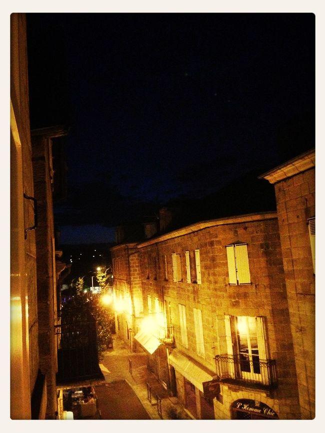 Les Lumières De La Nuit C'est Beau Une Ville La Nuit Rue Majour 25 Days Of Summer