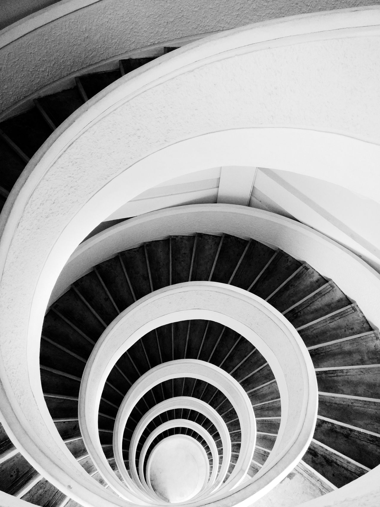 Loop Spiral Steps And Staircases Staircase Steps High Angle View Railing Architecture Spiral Stairs Spiral Staircase Built Structure Stairs No People Day Blackandwhite Shotononeplus Onepluslife Bw Loop