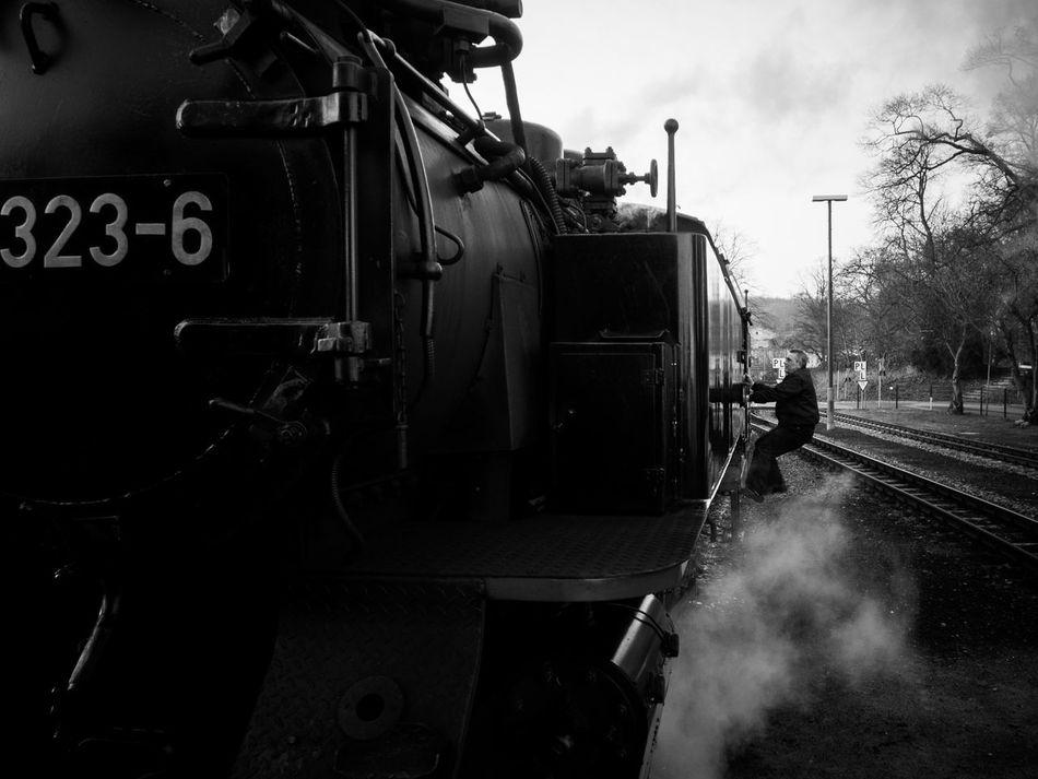 🚂 Showcase: January Train People Watching Taking Photos Light And Shadow Blackandwhite Black And White Blackandwhite Photography Black & White Black&white Bad Doberan Zug Eisenbahnfotografie