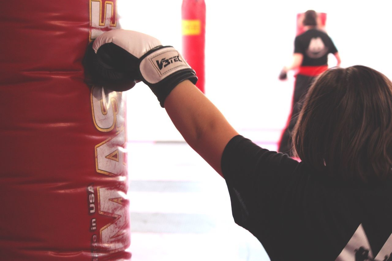 Kickbox Training Boxing Gloves Boxing Girls Little Girl Kick Punch Punchbag Stay Fit Boxing♥ Indoor Gym Life Gym Closeupshot Taking Photos Click Click 📷📷📷 Eye For Details Hamburg Germany🇩🇪