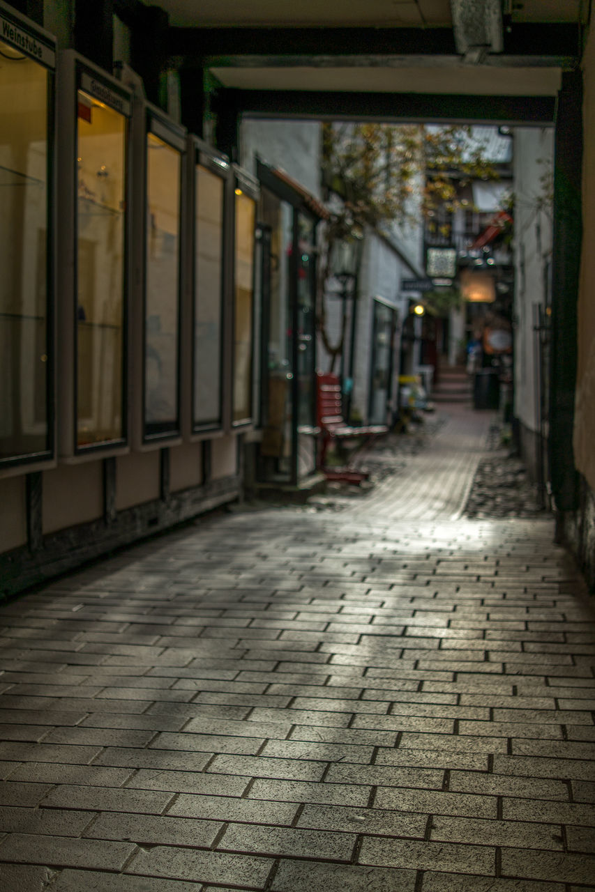 cobblestone, the way forward, no people, outdoors, built structure, day, architecture, walkway