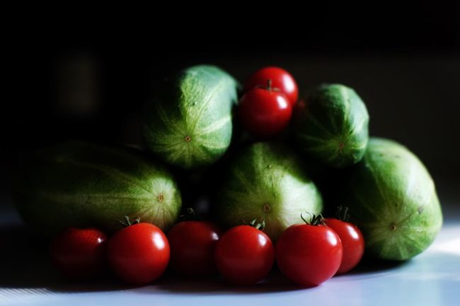 Garden variety, or, produce produced. Food And Drink Red Freshness Fruit Food Healthy Eating Close-up Still Life Indoors  Selective Focus Green Color Tomato Vibrant Color Heap Medium Group Of Objects No People Extreme Close Up Color Photojournalism Eye4photography  Fujifilm_xseries Shootermag_usa EyeEm Best Shots Garden Photography Photo Of The Day