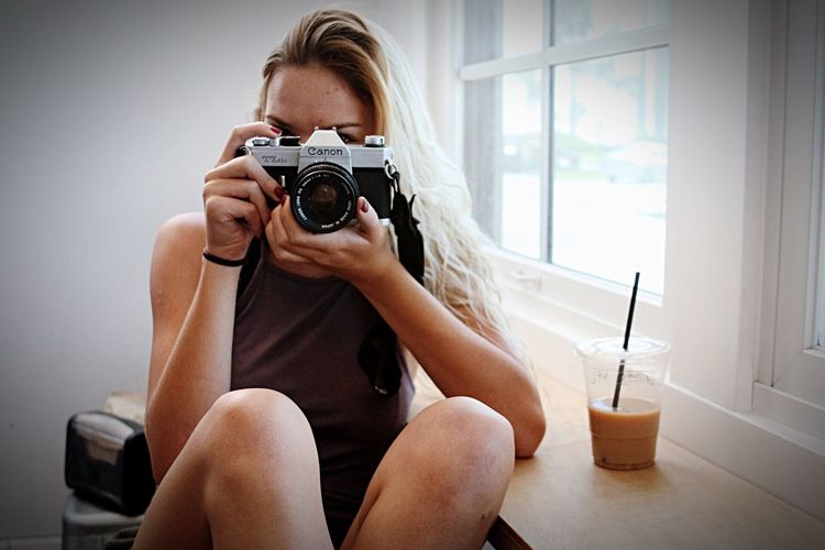 Lifestyles Weekend Activities Hobbies Focus On Foreground Casual Clothing Camera - Photographic Equipment Surfer Style Beach Life Coffee Coffee Break Girl Beach Hair Coffeeshop White Background Camera People And Places