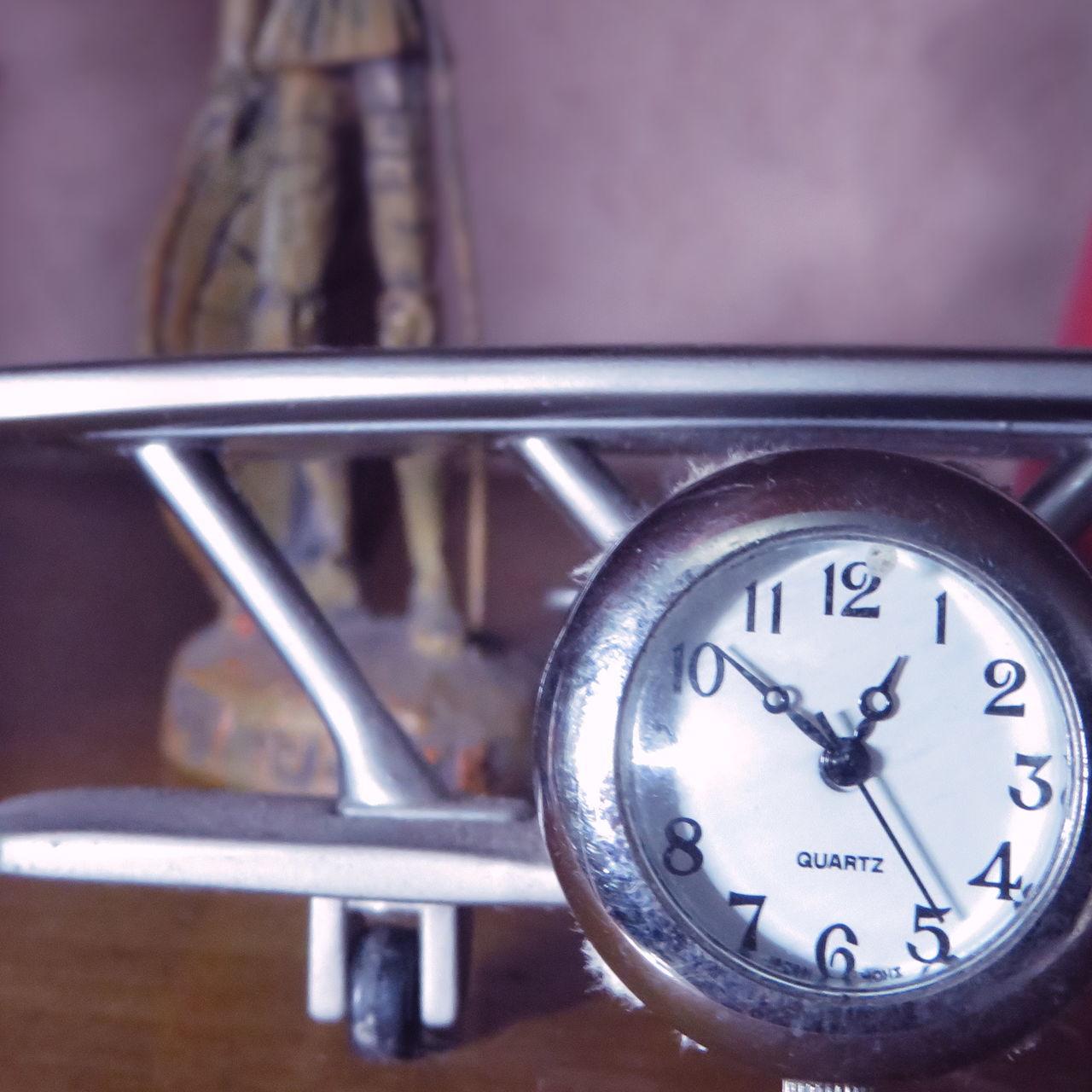 Avion Clock Don Quijote Escudo La Mancha Lanza Perry El Ornitorrinco Perry The Plattypus Plane Reloj Shield Sin Cabeza