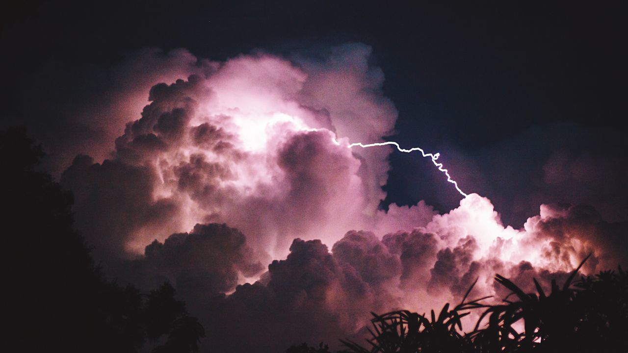 Last night. Nature Sky And Clouds Lightning Storm The Magic Mission Nature Photography Wild Sky Vscocam Beauty In Nature Lovely Weather Beautiful Nature Rain The Essence Of Summer The Great Outdoors - 2016 EyeEm Awards Colour Of Life Sommergefühle