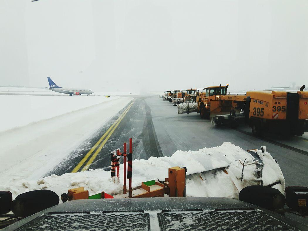 Göteborg Landvetter Airport (got) Snow ❄ WeatherPro: Your Perfect Weather Shot Wintertime In Sweden Taxi Yankee Heavy Equipment Aircraft Airport