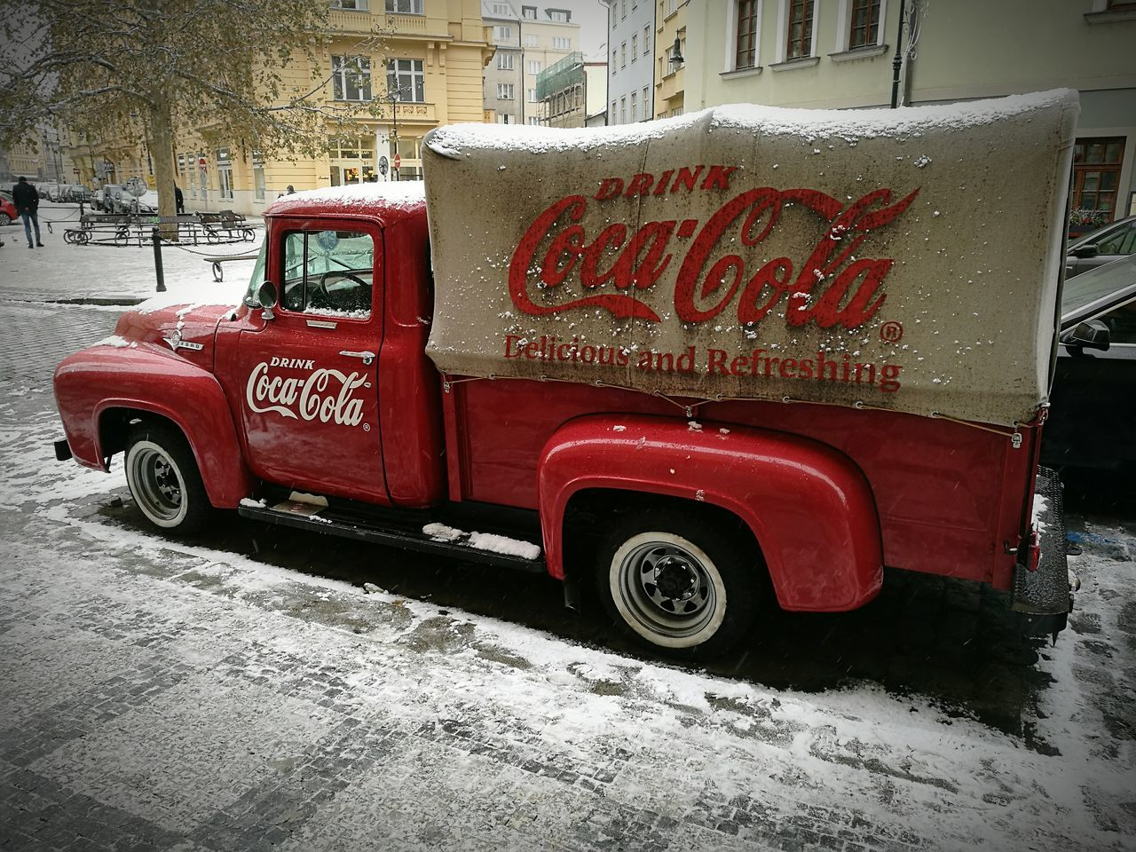 Coca Cola Truck Red Transportation Snow Winter City No People Coca Cola Coca-cola Coca-Cola, Label/logo/sign HuaweiP9plus Adapted To The City Art Is Everywhere The Street Photographer - 2017 EyeEm Awards