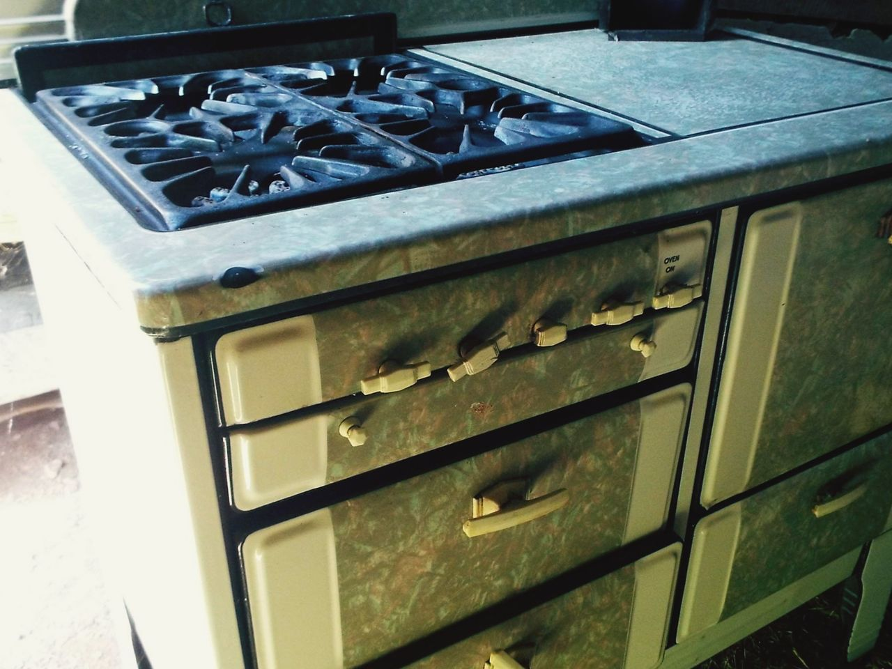 metal, stove, close-up, no people, day, old-fashioned, outdoors, domestic room