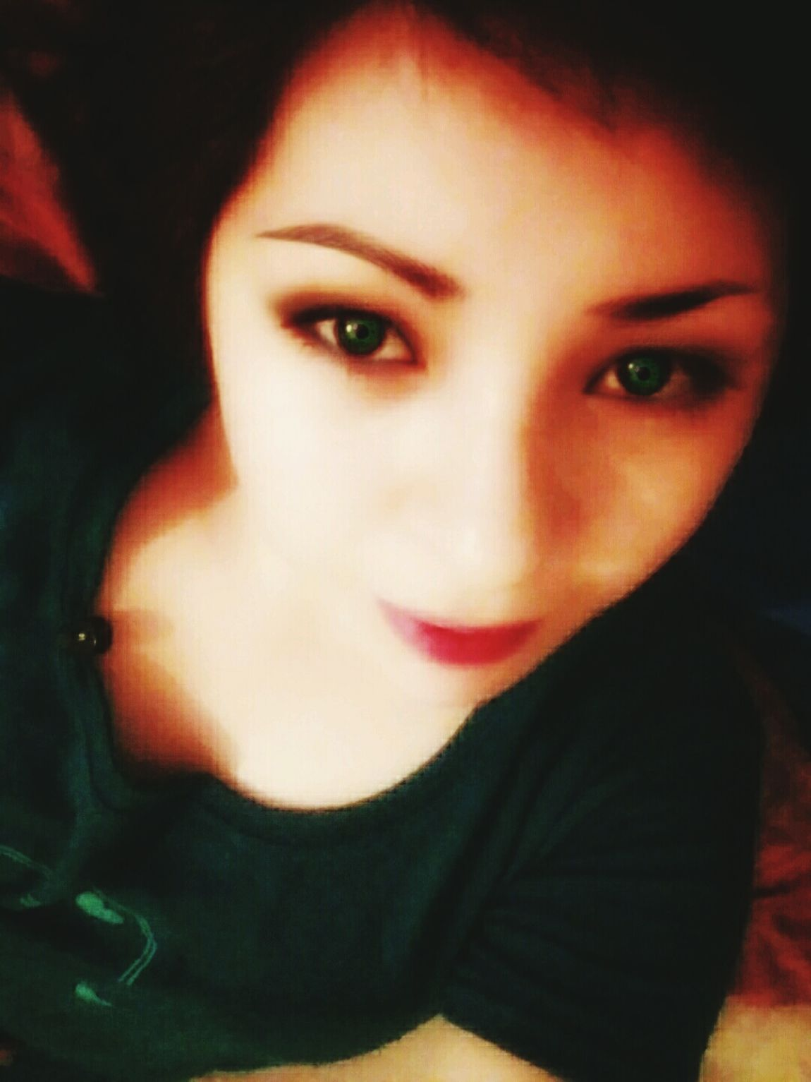 Taking Photos Relaxing Makeupartist Look Me In The Eyes Selfie ✌ Enjoying Life Beautiful Girl Hello World ✌ Model Pose Green Eyes Eyedoll Eyes Watching You