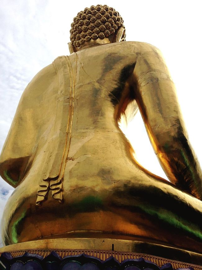 Ever seen a Buddah from the back? Buddah Chiangrai ThailandStatue Spirituality Religion Sculpture Art And Craft Human Representation Low Angle View Buddha Place Of Worship History Sky Creativity Tall - High Outdoors Weathered Human Face Famous Place Fresh On Eyeem