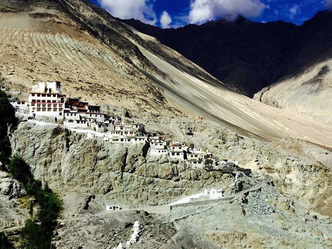 The entire Hemis monastry from the top of the mountain.