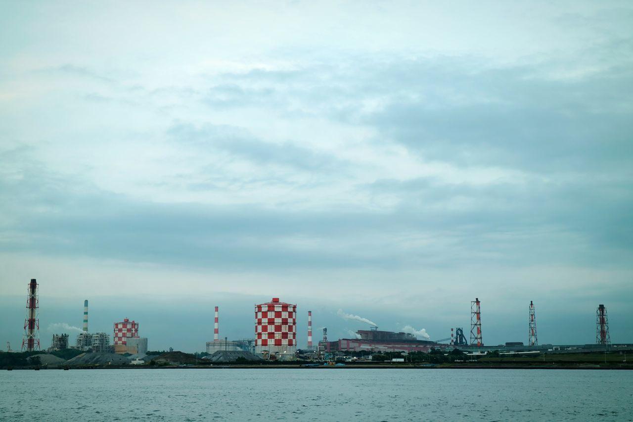 Factory Factory Zone Sea Bay Bayside Yokohama Chimney Sky Skyporn Cloud Cloudporn Japan