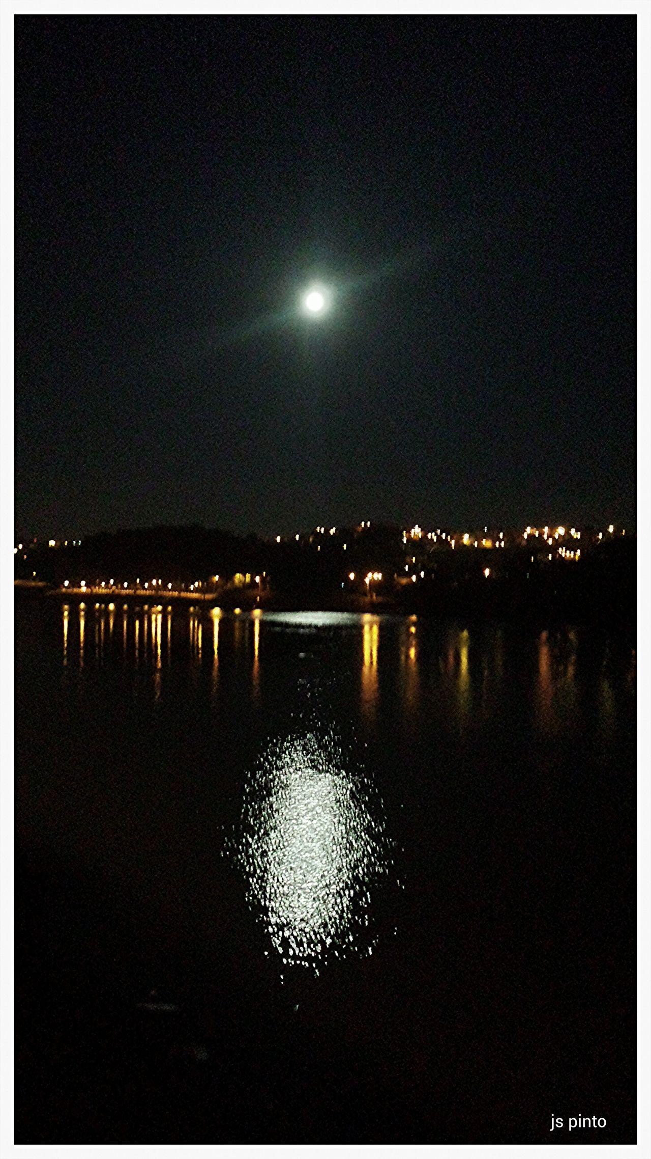 Taking Photos Ja Pinto EyeEn Porto Exhibition