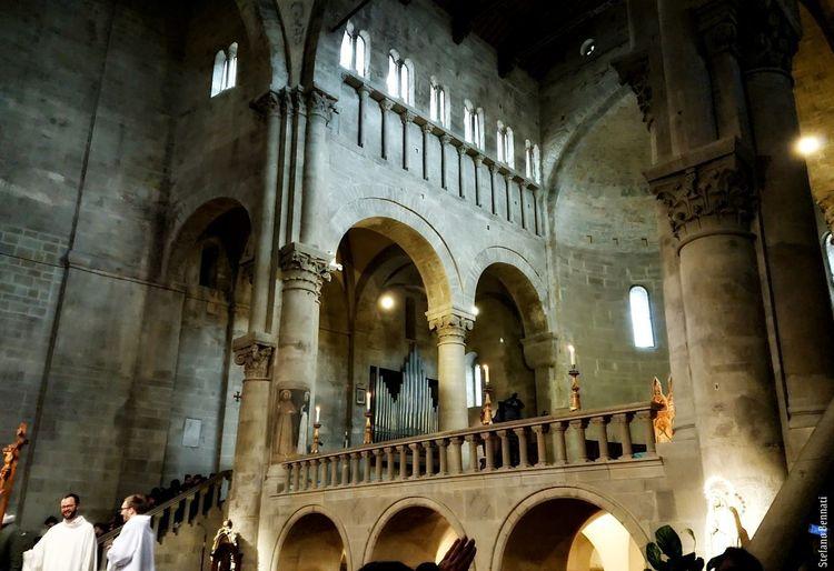 Parish Church St. Mary Xzpremium Xperia Pieve Arezzo Arezzox Arch Architectural Column Indoors