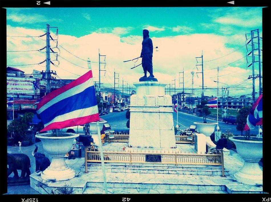 Thais An Their Statues Runbkk