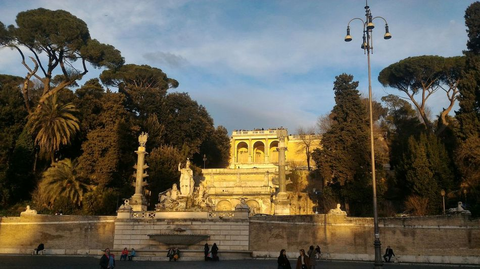 Luce calante sul pincio Rome Travel Destinations Tourism Outdoors The City Light No Filter, No Edit, Just Photography Italy Italia Tranquility Wonderful Sunset Beauty In Nature Changing Times Piazza Del Popolo Light Beautiful Day No Filter Original Bestshot Best EyeEm Shot Nature Enjoy Pincio