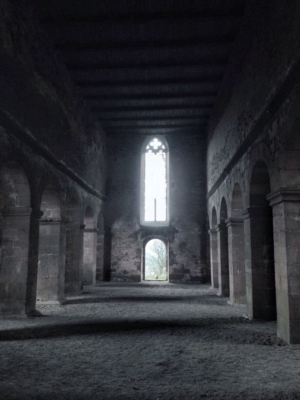 indoors, architecture, history, arch, built structure, the way forward, no people, corridor, window, day, architectural column