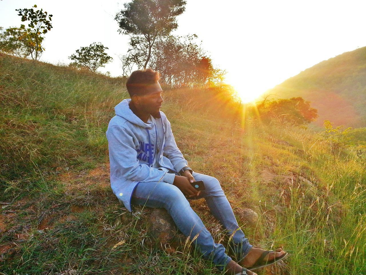 Only Men Sunset Lens Flare Sunlight Back Lit Sitting Sun Nature Outdoors People Shirts Of EyeEm Jeans Winter Mountains Modeling Shoot Model Photography Winter_collection Mensfashion Urban Photography Embrace Urban Life Scenics Agriculture Sun_collection Sunset_collection Check This Out! I Show The World What I See