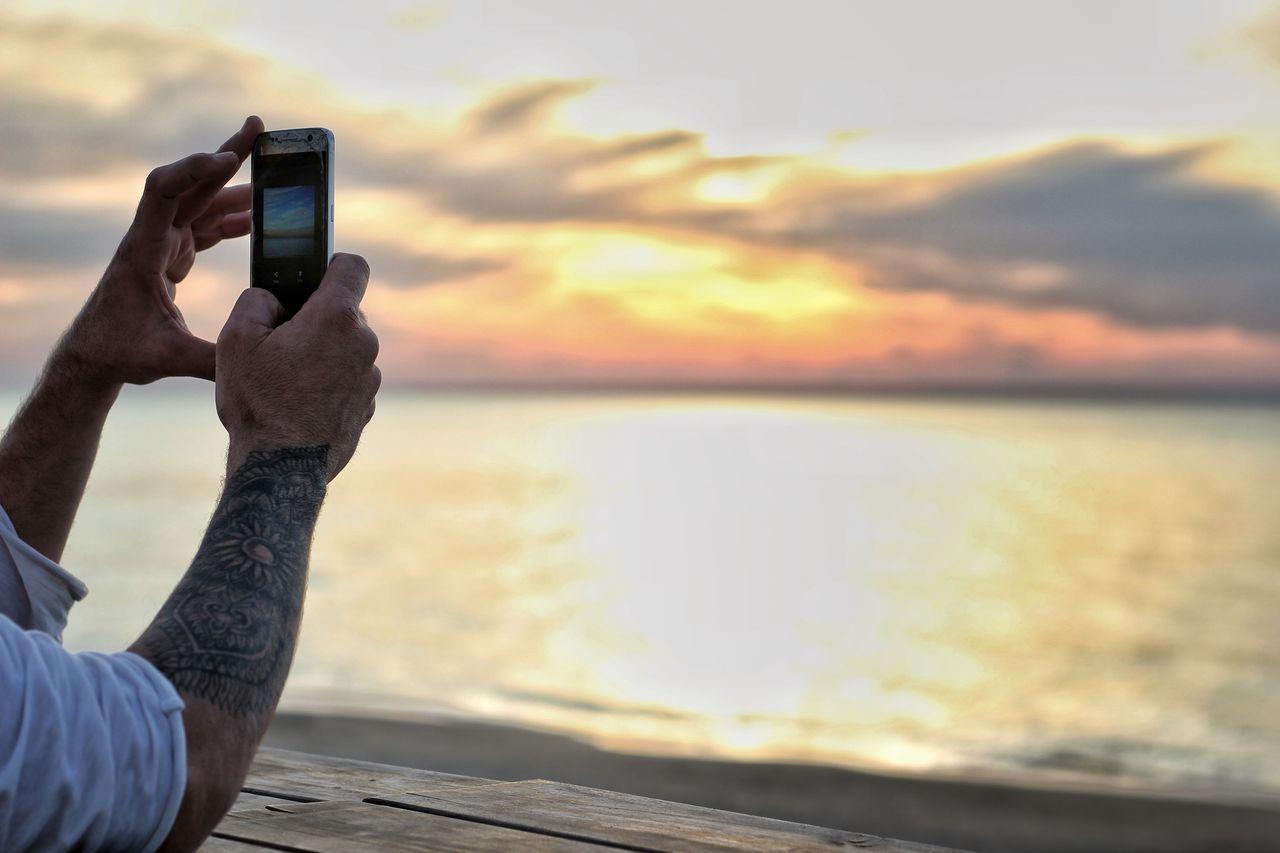 Mobile Conversations Smart Phone EyeEm Outdoor Photography Photooftheday EyeEm Week EyeEm The Best Shots Eyeem4photography Eyeemphotography Sunset Sunset_collection